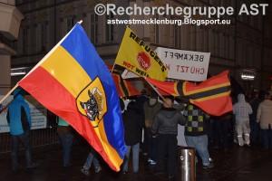 Deutschland wehrt sich - Demo - 21_03_16 - Schwerin - Aufmarsch Fahnen