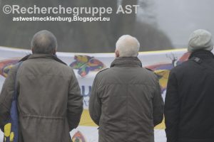 031216_stiller_protest_demo_kameradschaft_guestrow_juedischer_friedhof